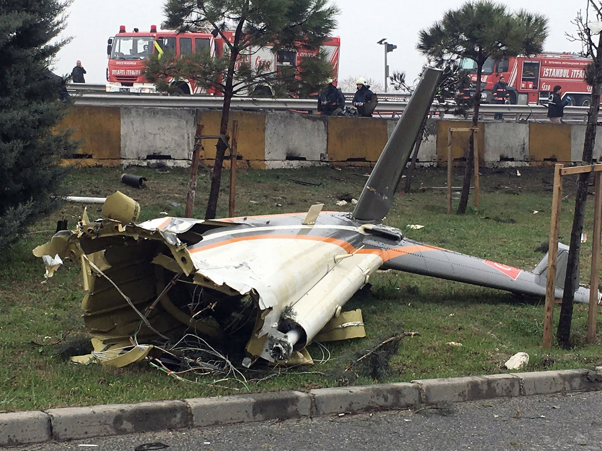Russians killed in helicopter crash in Istanbul 65