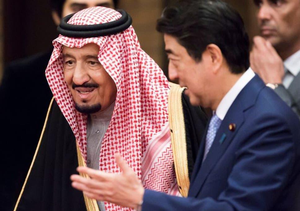 Saudi King brings two golden escalators and 100 limousines