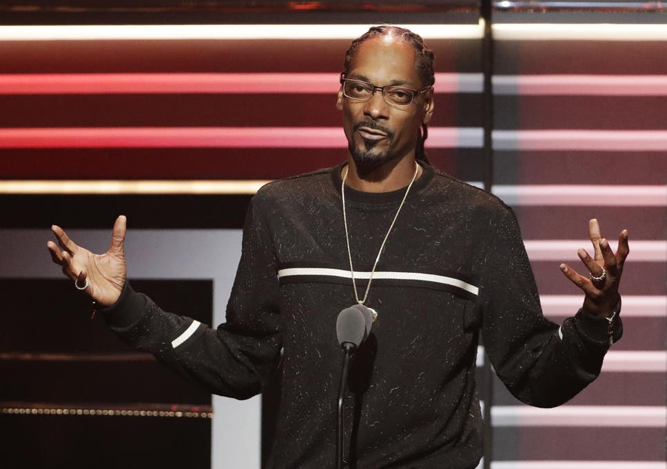Snoop Dogg: 'Album artwork' takes another swipe at Donald Trump