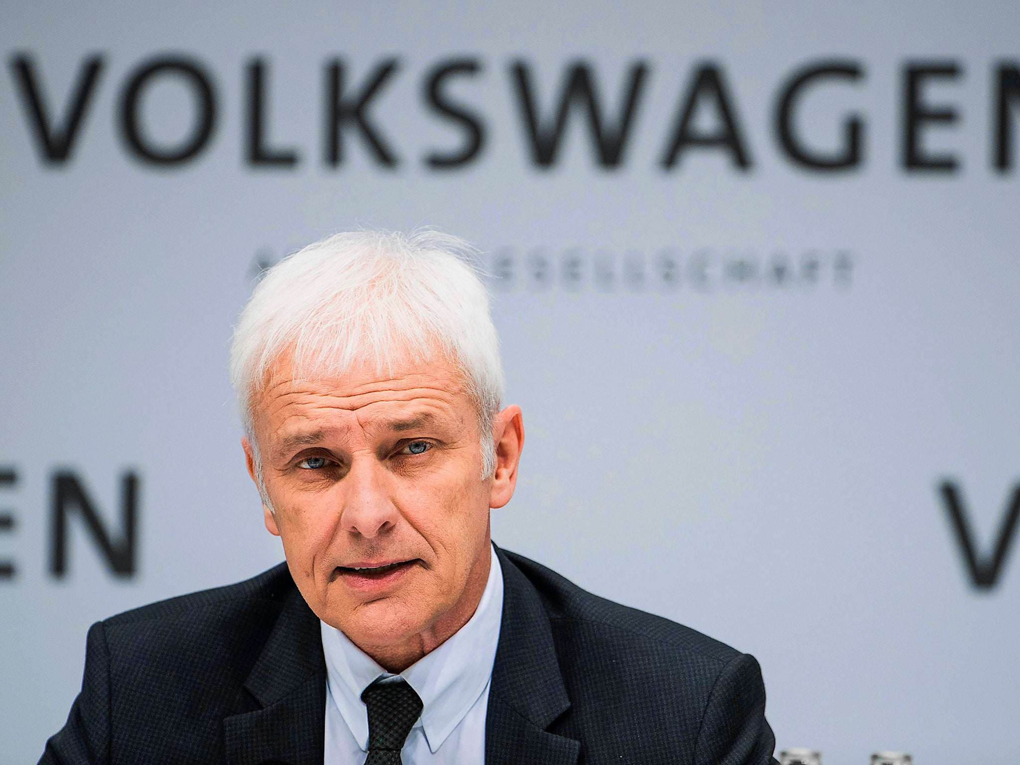 Volkswagen\'s boss receives 40% pay rise, despite fallout from emissions cheating scandal