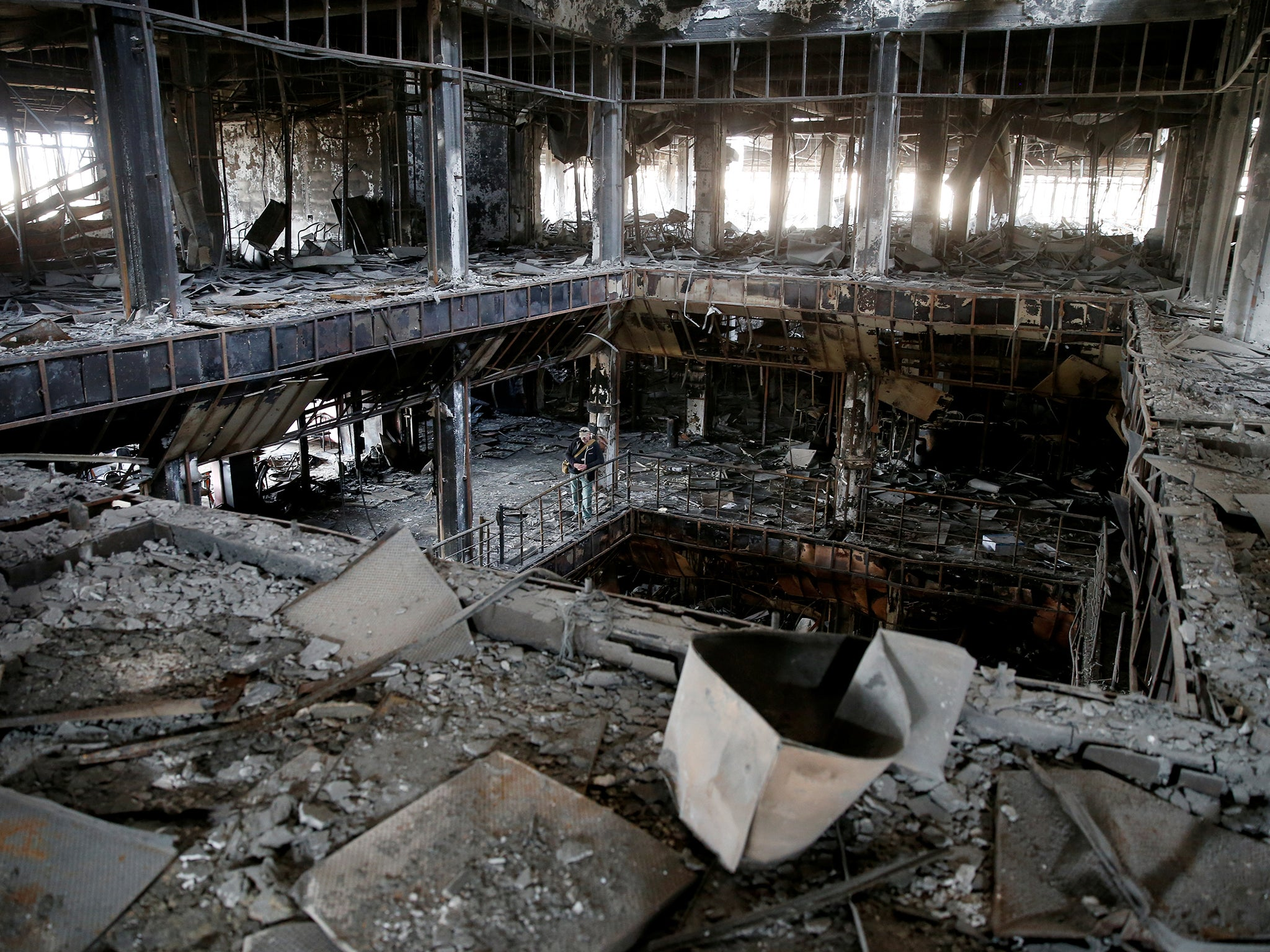 Islamic state destroyed the main library in the city of Mosul 02/23/2015 18