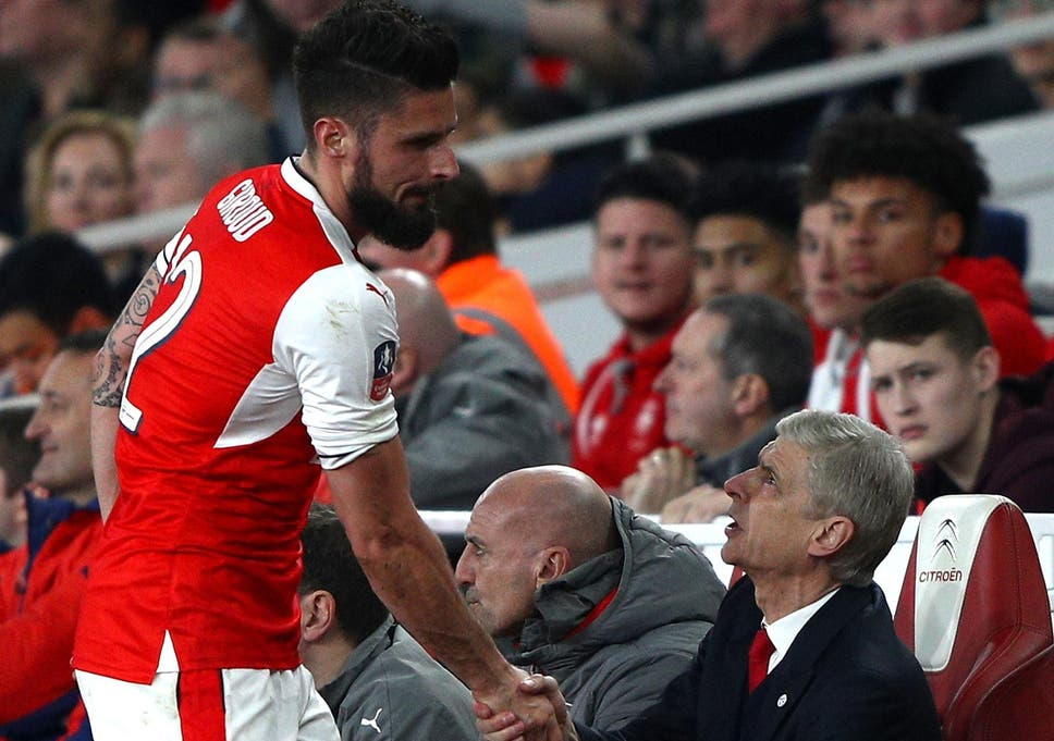 3dd0a425a Arsenal players want Arsene Wenger to stay at the club and sign a new deal  claims Olivier Giroud