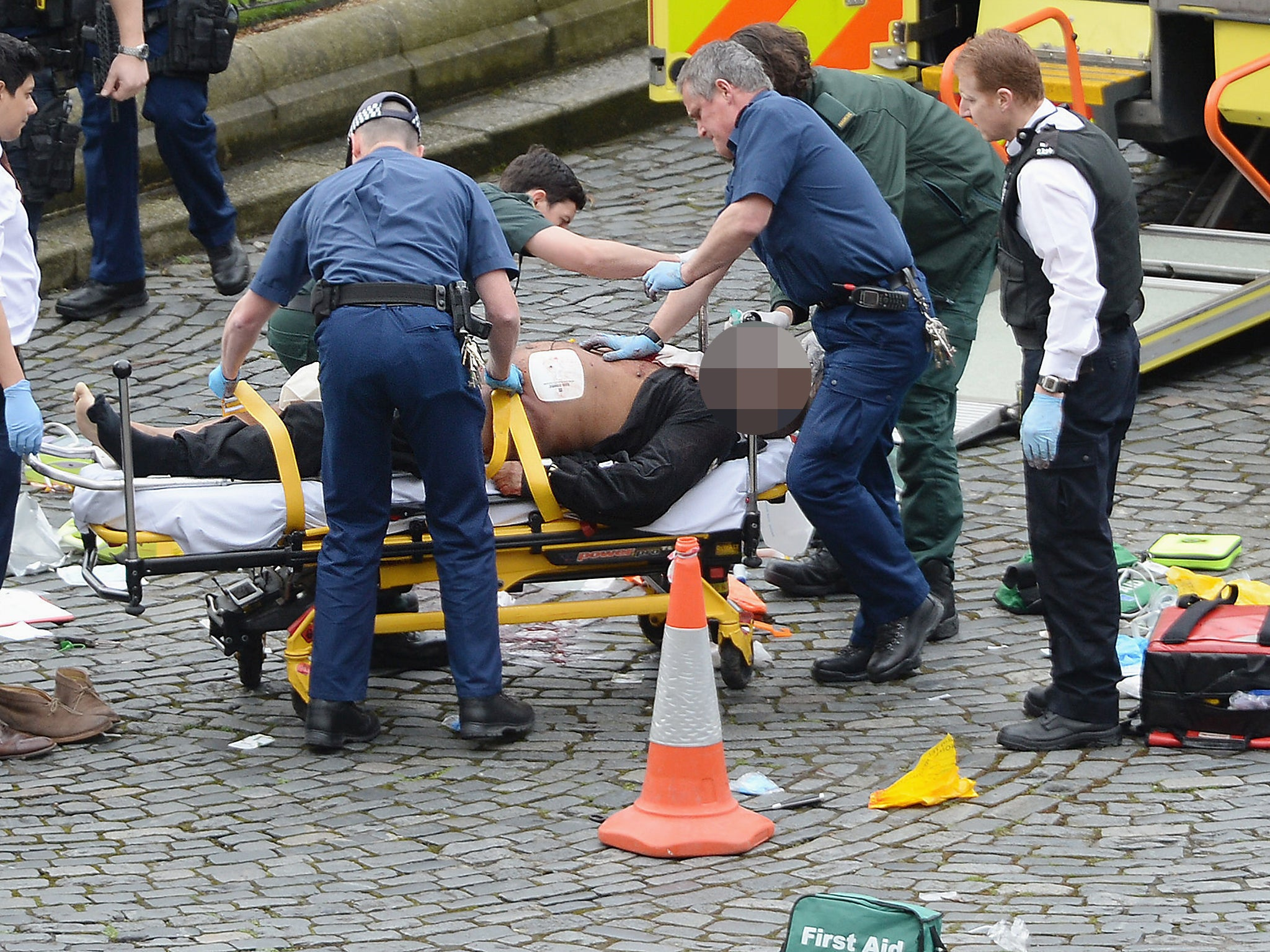 London attack latest: Police hunt for potential second suspect in Westminster terror incident