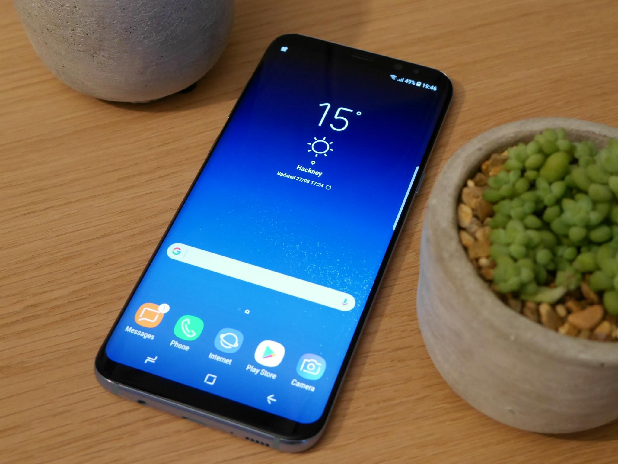 samsung galaxy s8 review it 39 s the best android smartphone yet the independent. Black Bedroom Furniture Sets. Home Design Ideas