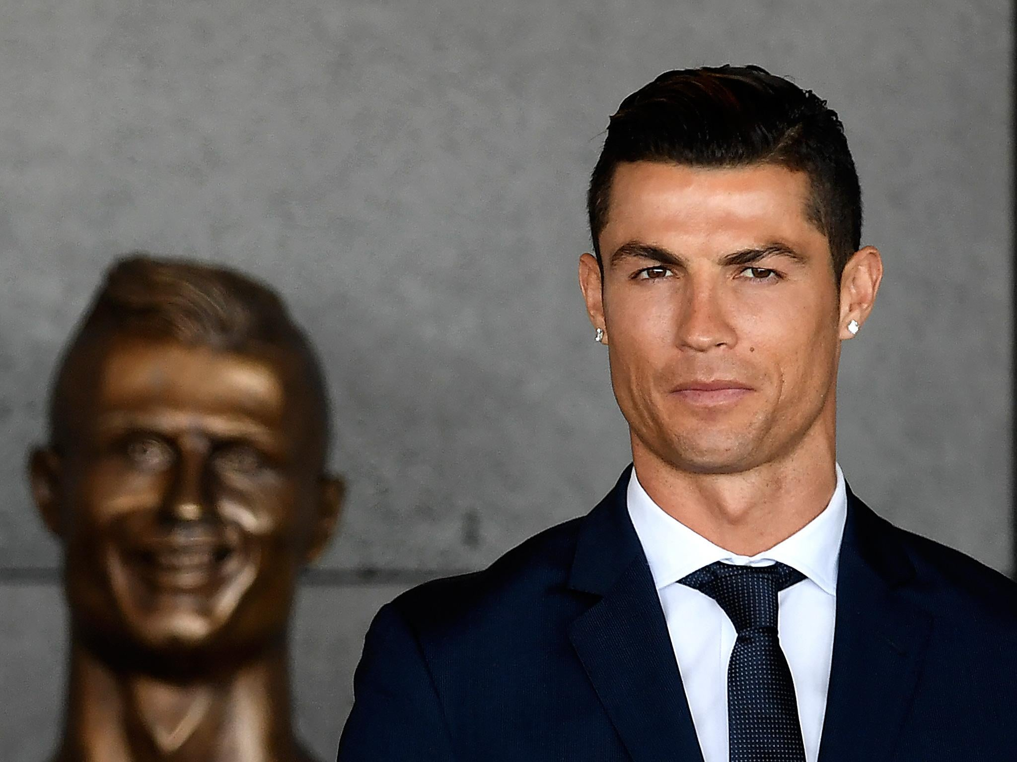 b6c4043c0 7 important questions we have about the Cristiano Ronaldo statue at ...