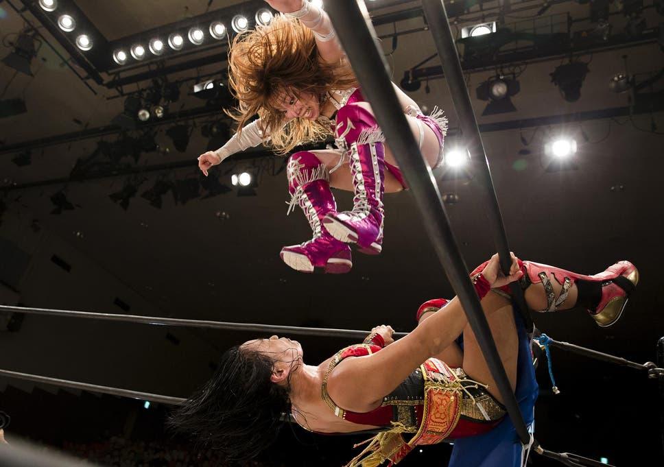 fitness women wrestling