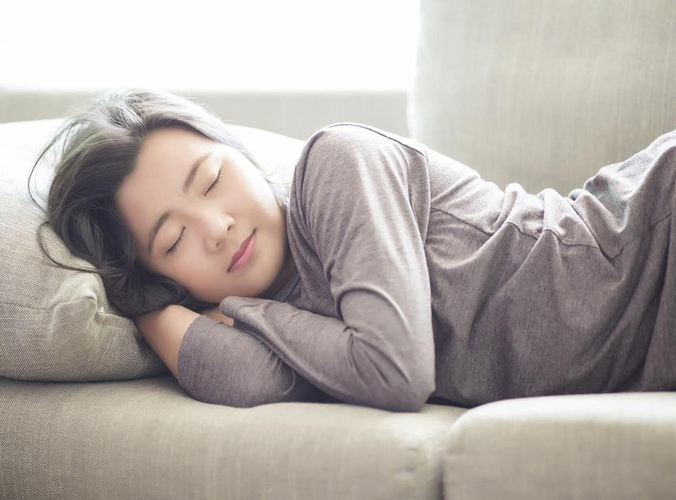 Scientists have discovered a link between taking short naps and happiness