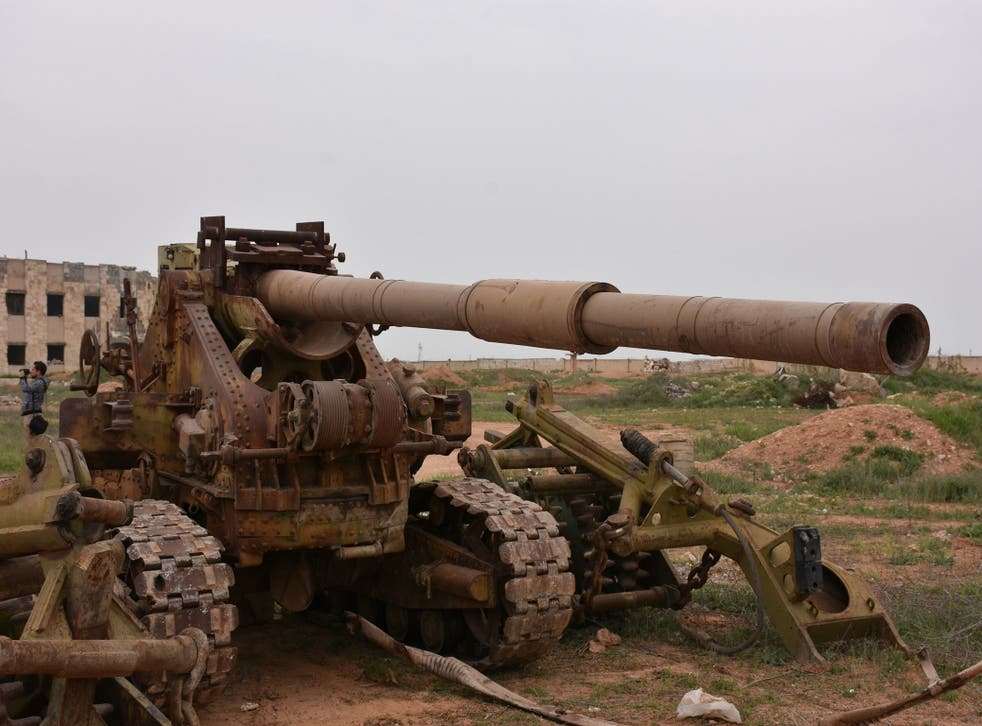 Isis fled Deir Hafer so fast it was forced to leave behind this bizarre artillery, consisting of what appears to be a T-62 tank barrel welded onto a French WW2 chassis