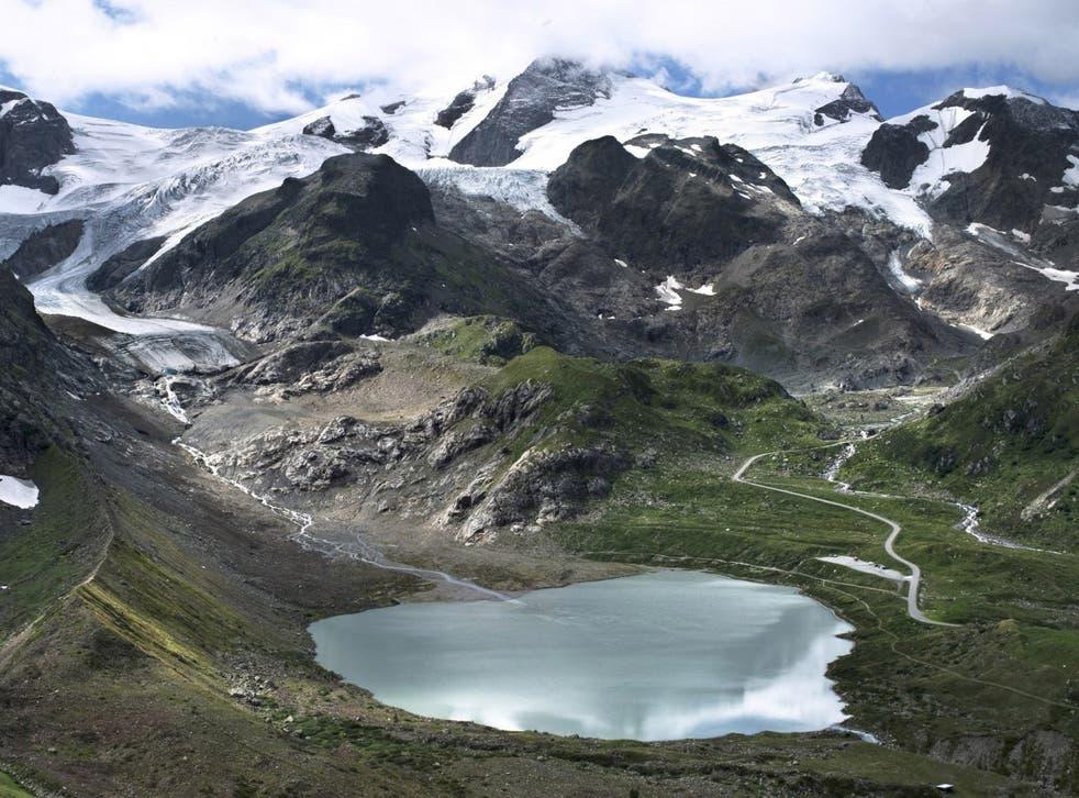 Photojournalist James Balog and the Extreme Ice Survey team travels the world to document vanishing ice