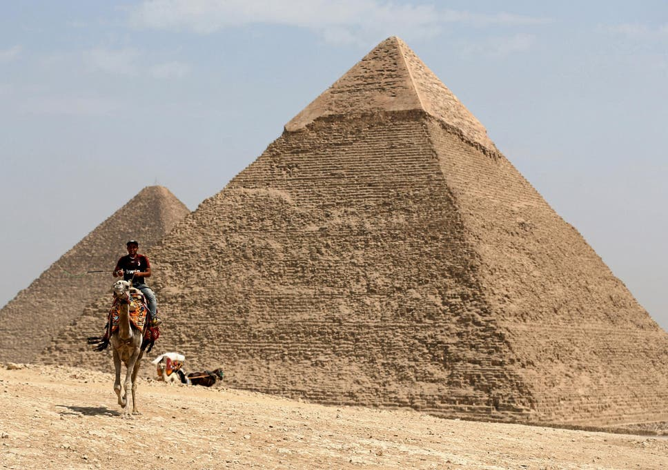 egyptian pyramids dating