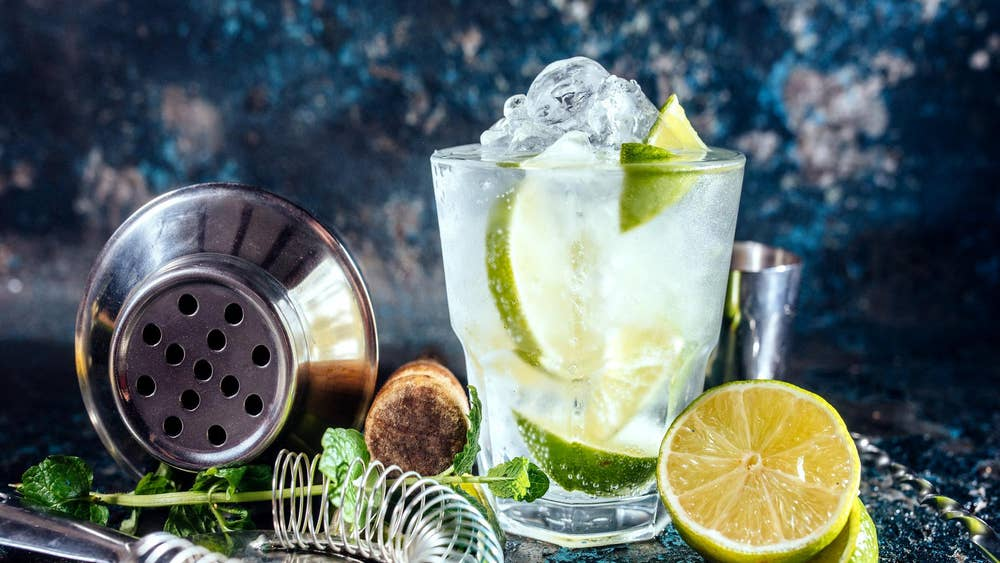 The 9 Alcoholic Drinks To Avoid If You Want To Lose Weight And