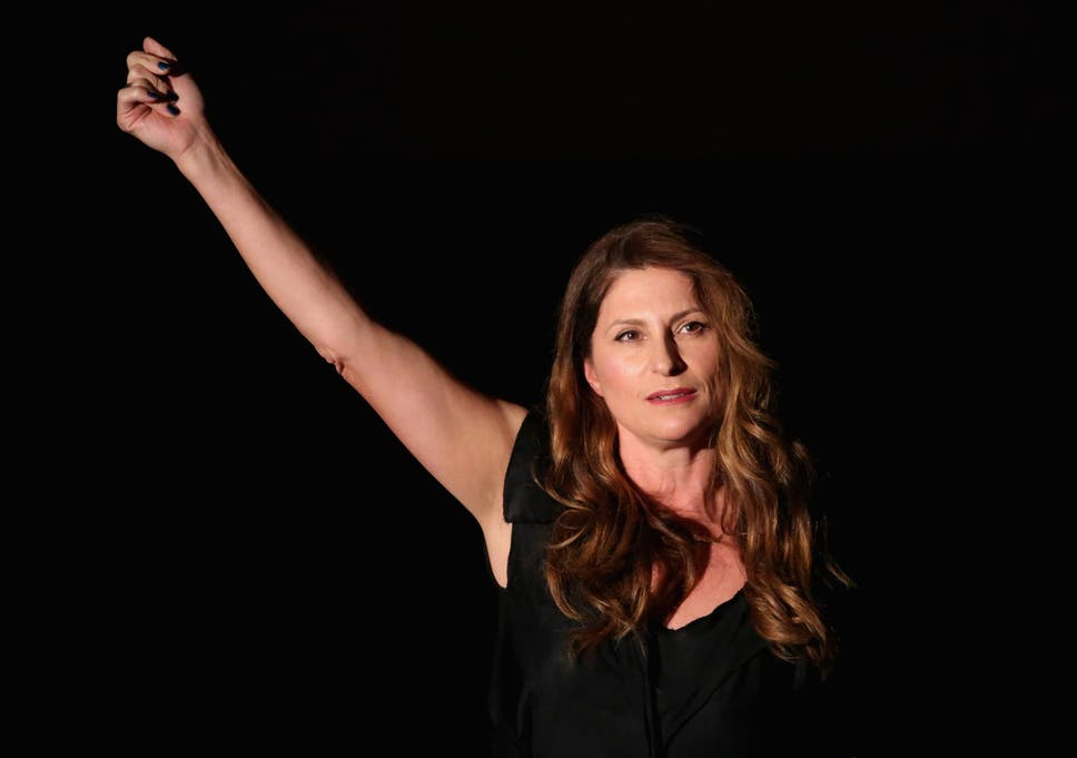 Mulan director niki caro criticises hollywoods shameful gender i look at the statistics on female directors and now its time for me to speak up fandeluxe Gallery