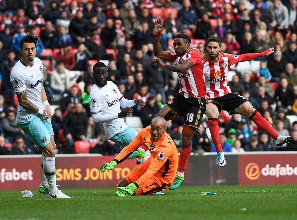 Borini strikes a late equaliser for Sunderland
