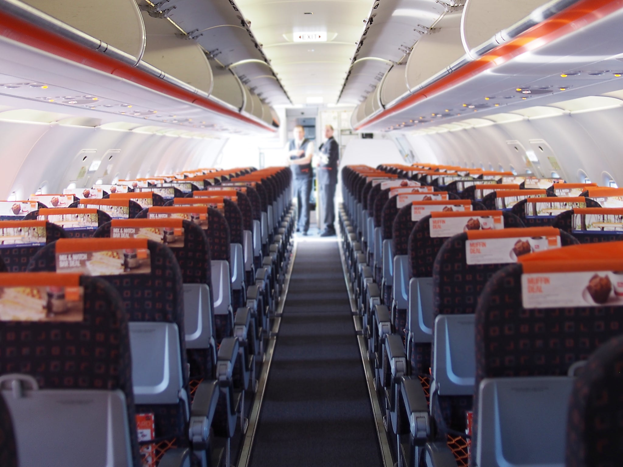 EasyJet comes under fire for removing unaccompanied child from overbooked flight