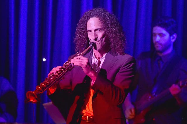 Kenny G played his sax for fellow passengers