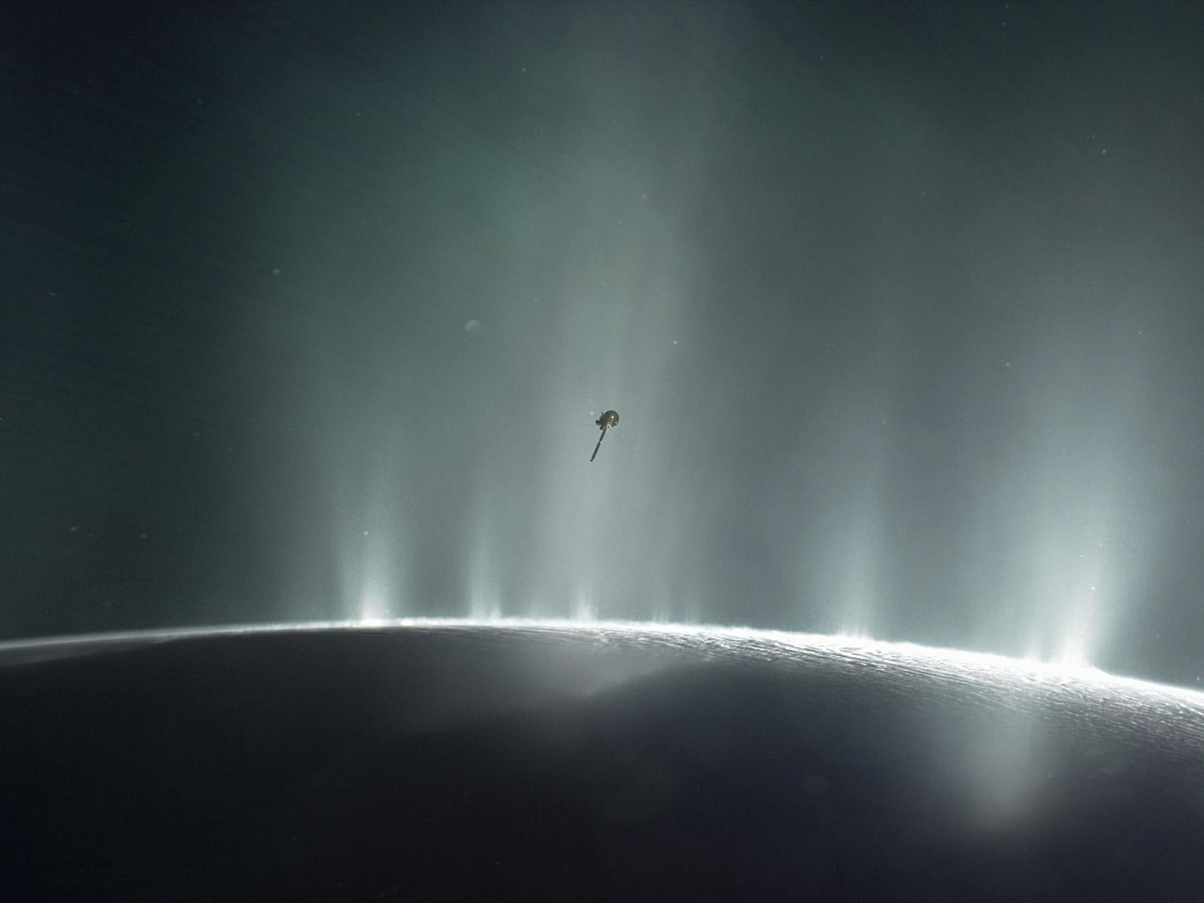 Cassini Spacecraft: Nasa probe's groundbreaking dive through ...