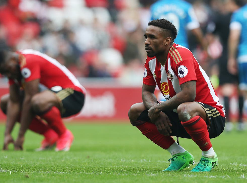 Defoe contemplates Sunderland's slip into the second tier