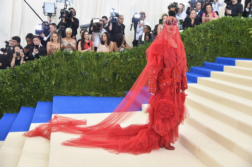 Met Gala Katy Perry Attracts Criticism For John Galliano Dress At New York Event The Independent The Independent