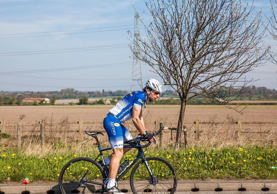 f0d95ddb070 British cyclist Mark Beaumont sets world record by cycling around the world  in 79 days. '