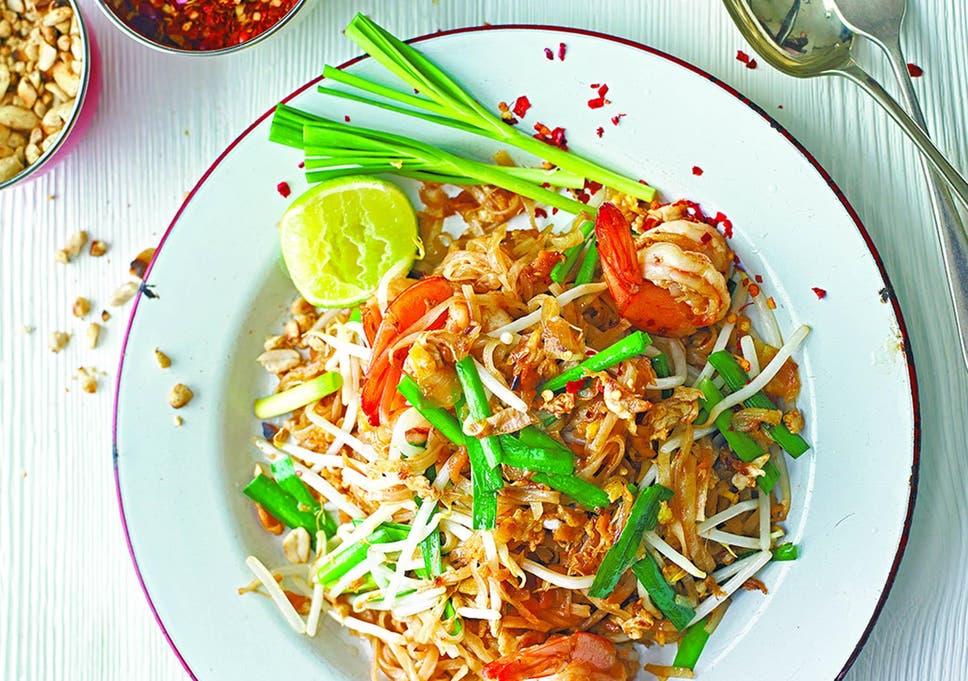 How To Make Rosa S Thai Cafe Prawn Pad Thai The Independent