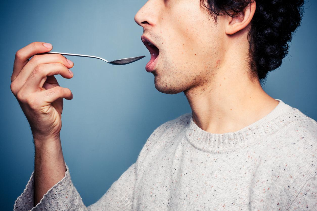 It could take just 60 seconds to spot the signs of hidden illnesses - and all it takes is a spoon