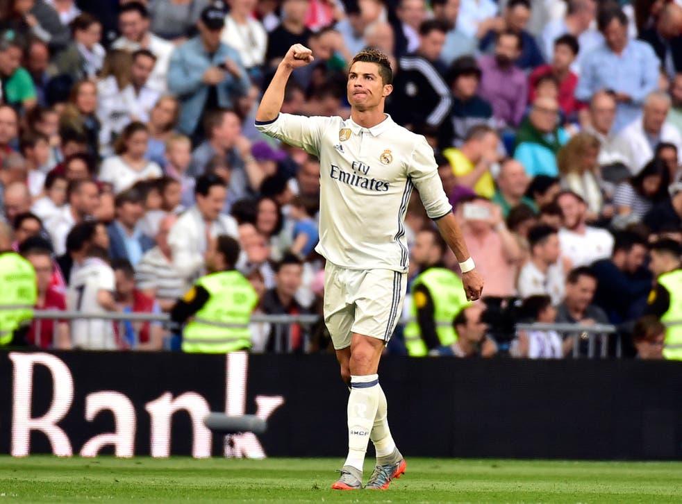 Ronaldo celebrates his 400th goal