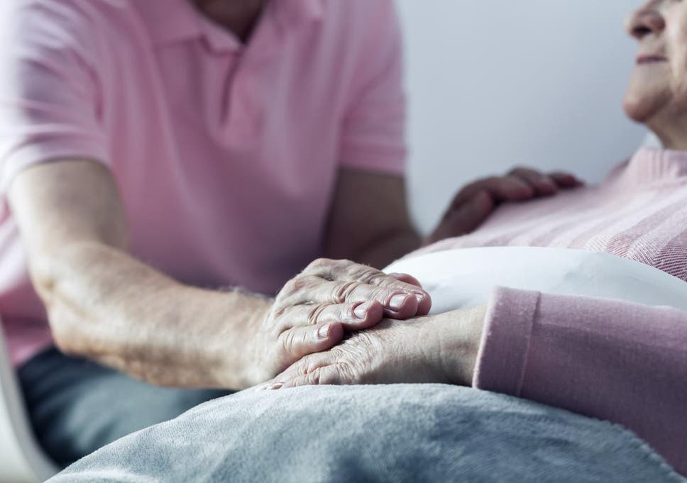 what happens the moment after you die according to a hospice doctor
