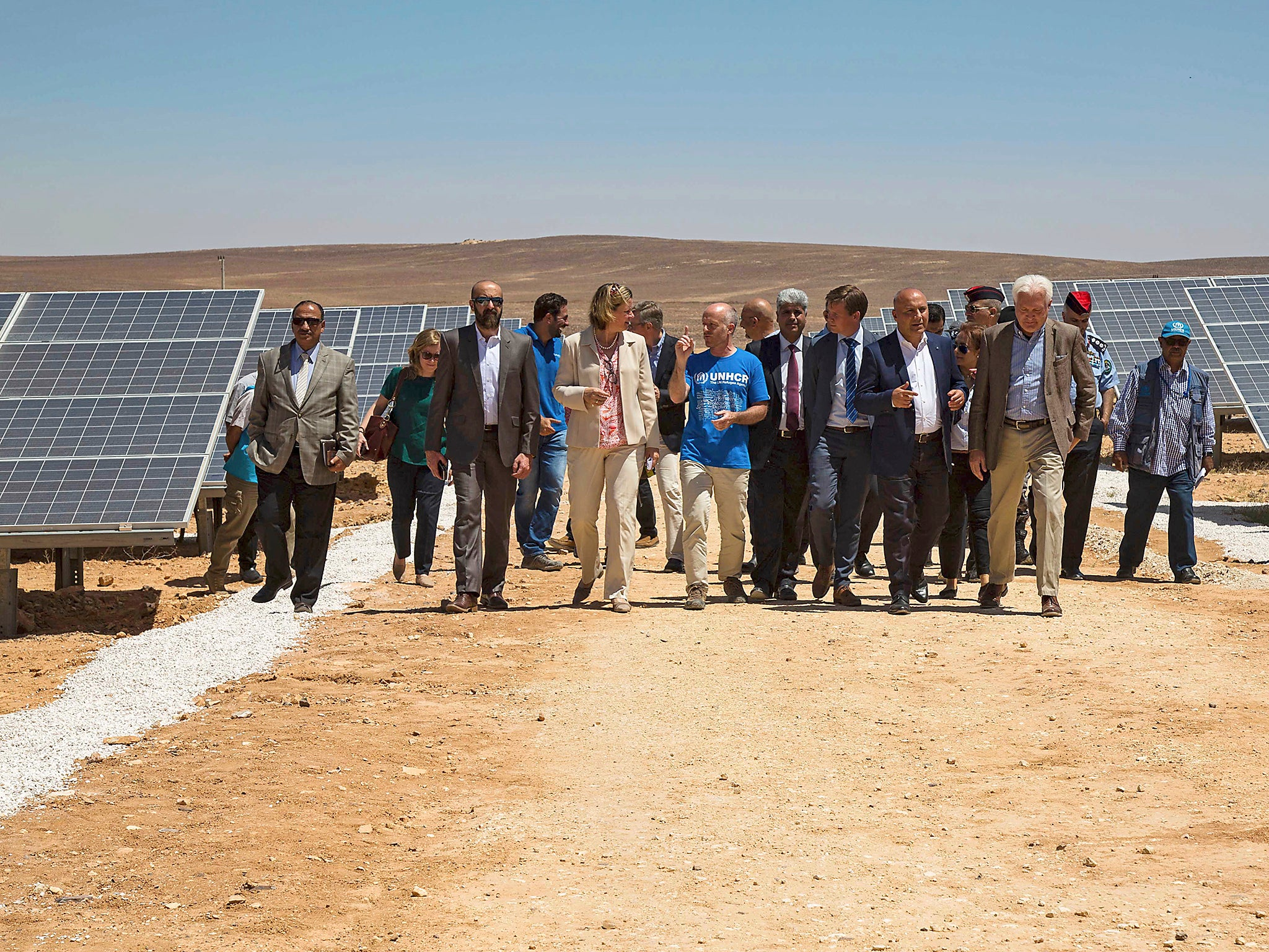 Jordans Azraq Refugee Camp Becomes First To Run Entirely On Solar Power Back Into The Electrical Circuit Reuse It Save Energy Independent