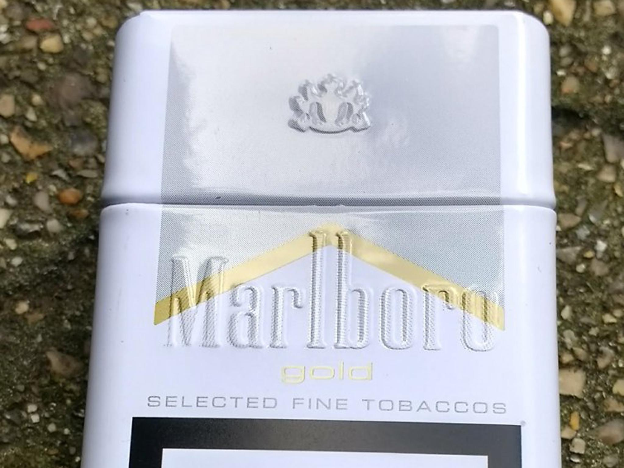 Marlboro Red shorts price