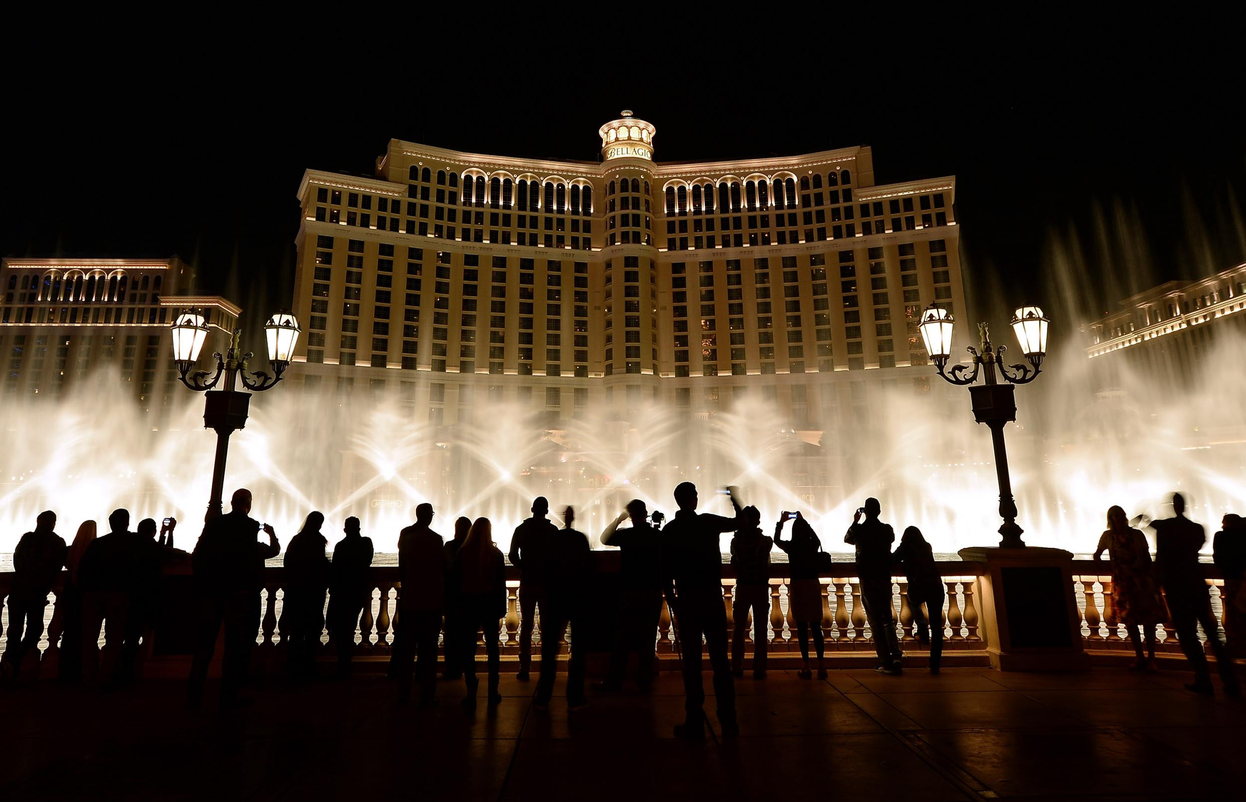 Bellagio Fountains: Will The Famous Las Vegas Landmark Close To Make Way  For A Shopping Mall?  The Independent