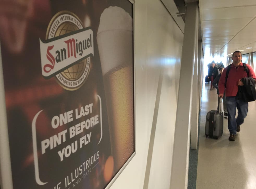 """Thirst class: San Miguel ad at Stansted airport inviting passengers to drink """"One last pint before you fly"""""""