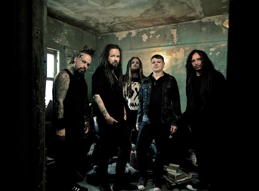 Korn, from left to right, Fieldy