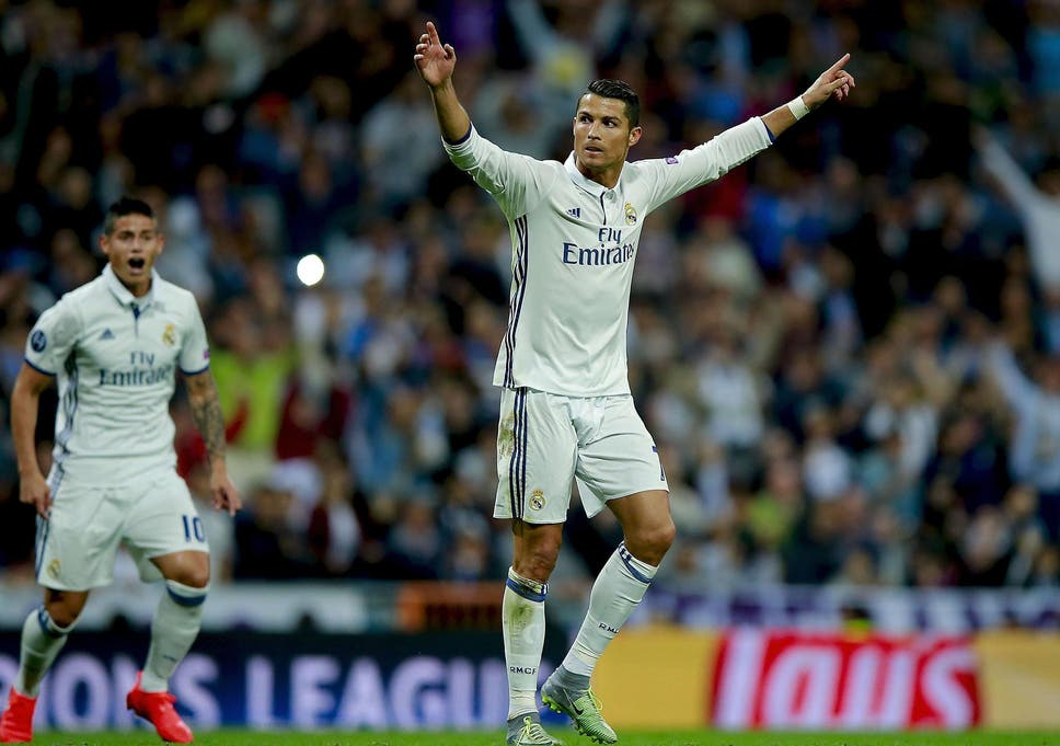 edab8b2cc6b Cristiano Ronaldo joining Manchester United would be  huge loss  to La  Liga