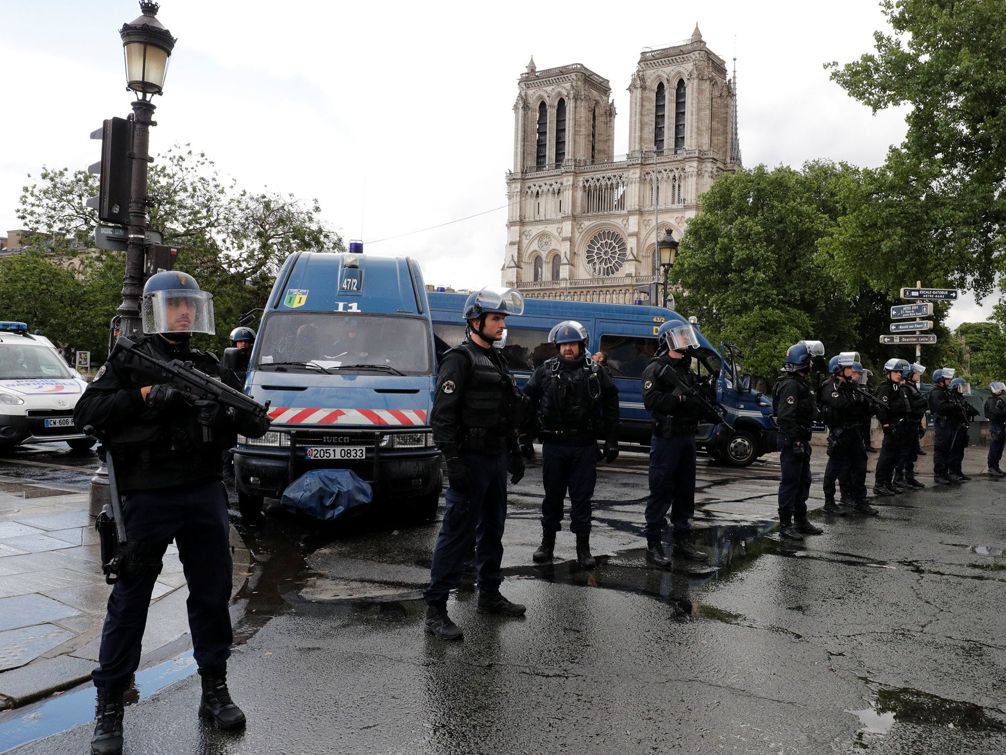 Paris police warn public to stay away from Notre Dame after incident