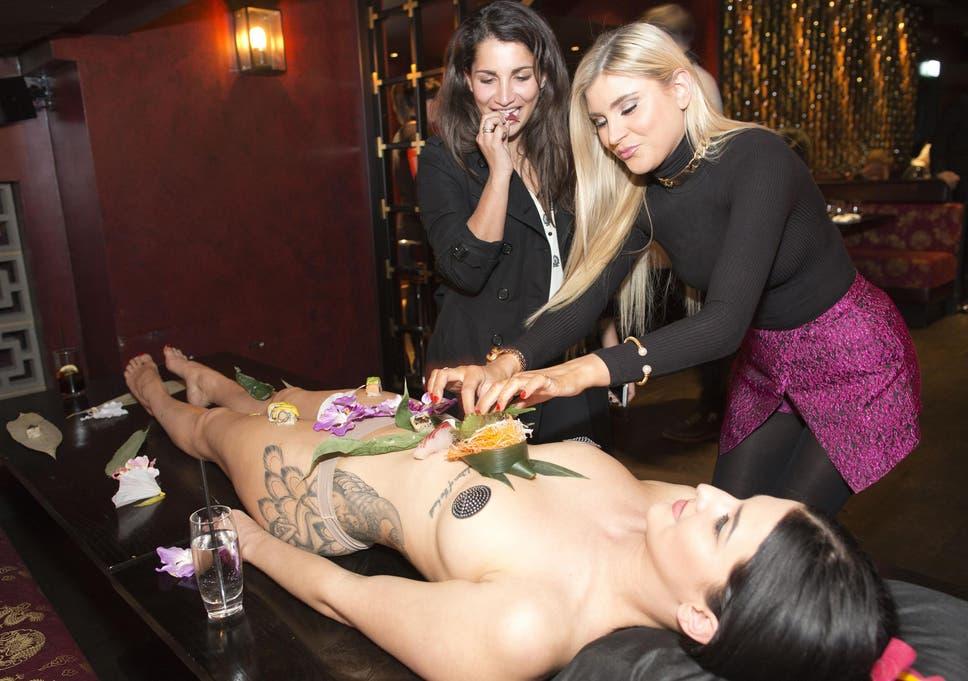 Girls finger naked kiwi party nude pics flo