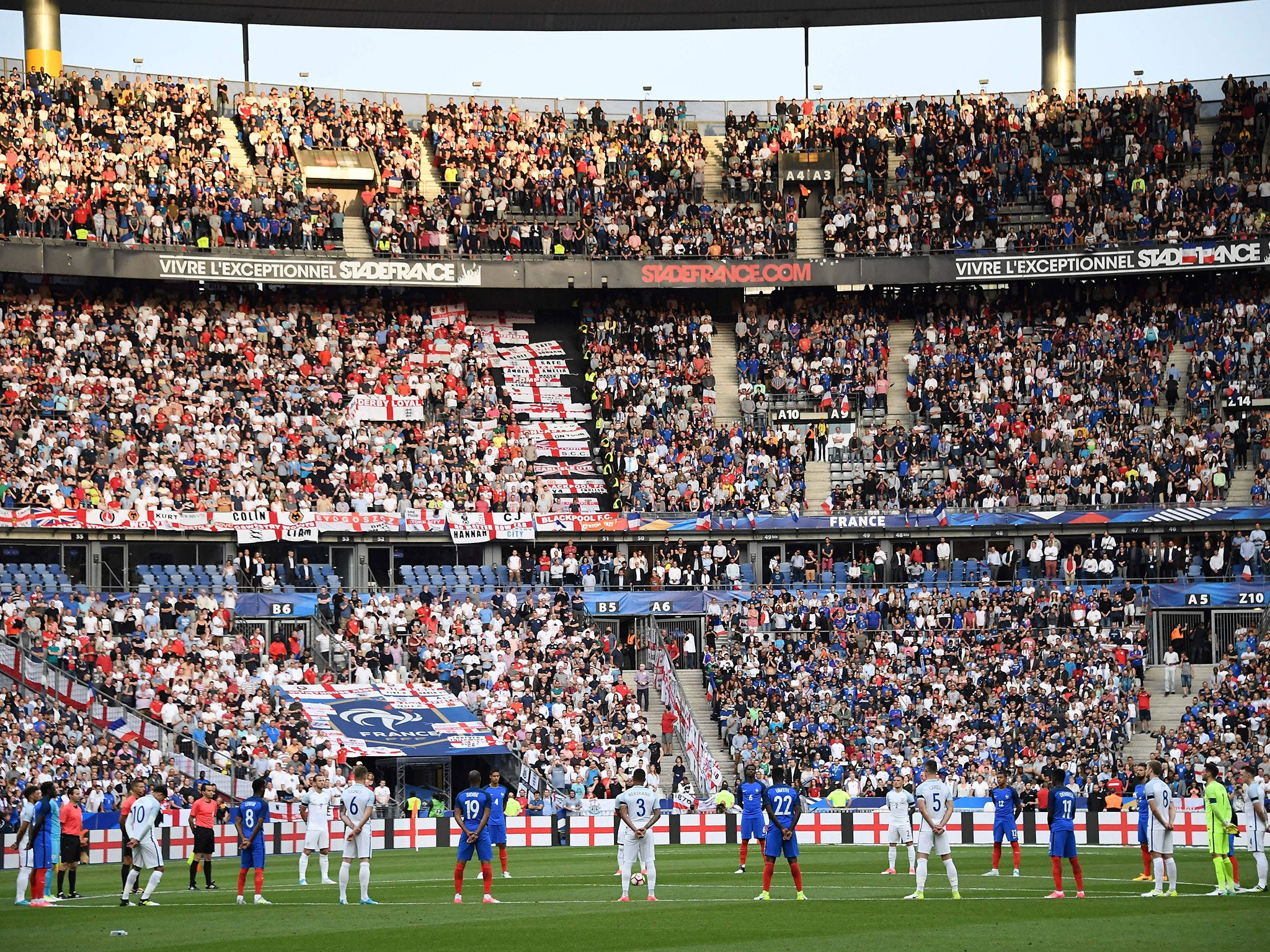 France vs England: Fans sing 'Don't Look Back In Anger' to remember Manchester and London attack victims