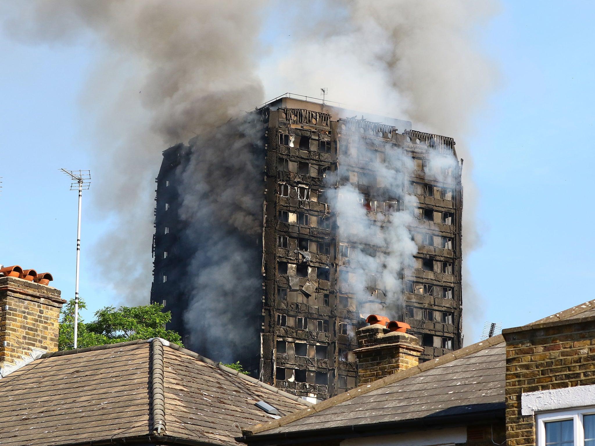London Fire 12 Grenfell Tower residents dead as blaze rips