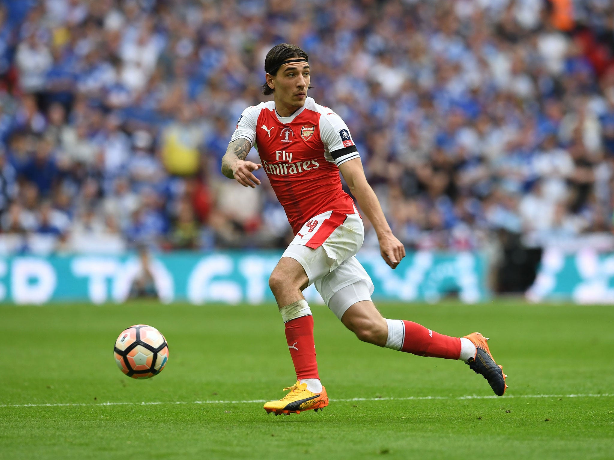 Hector Bellerin questions decision to keep Marcus Rashford out of England's U21s squad for Euro 2017