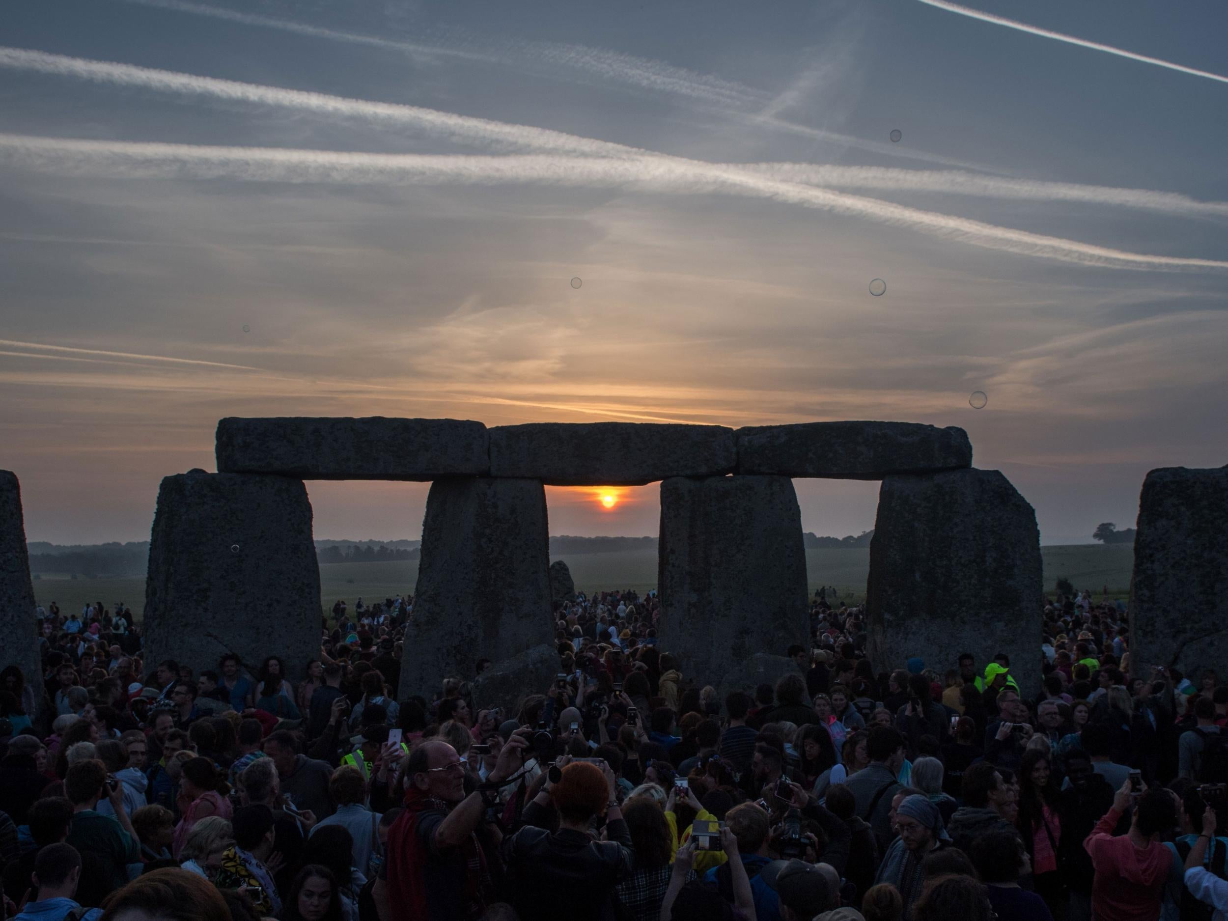 stonehenge new dating Tools, a quarry, and a sunken road say a lot about stonehenge they also raise new questions for archaeologists by dating and studying artifacts from.