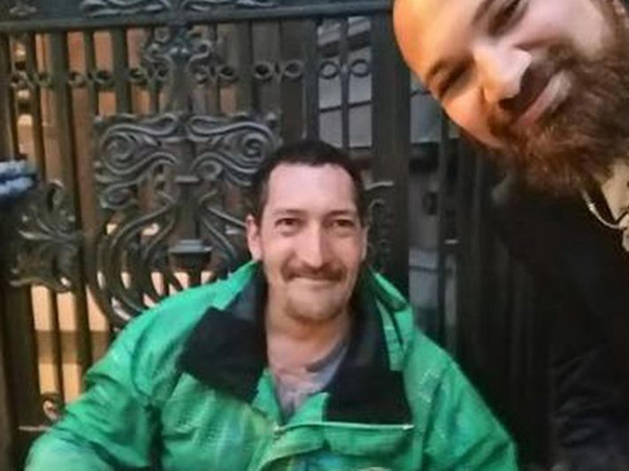 Homeless man lets customer turned away from restaurant borrow his shoes