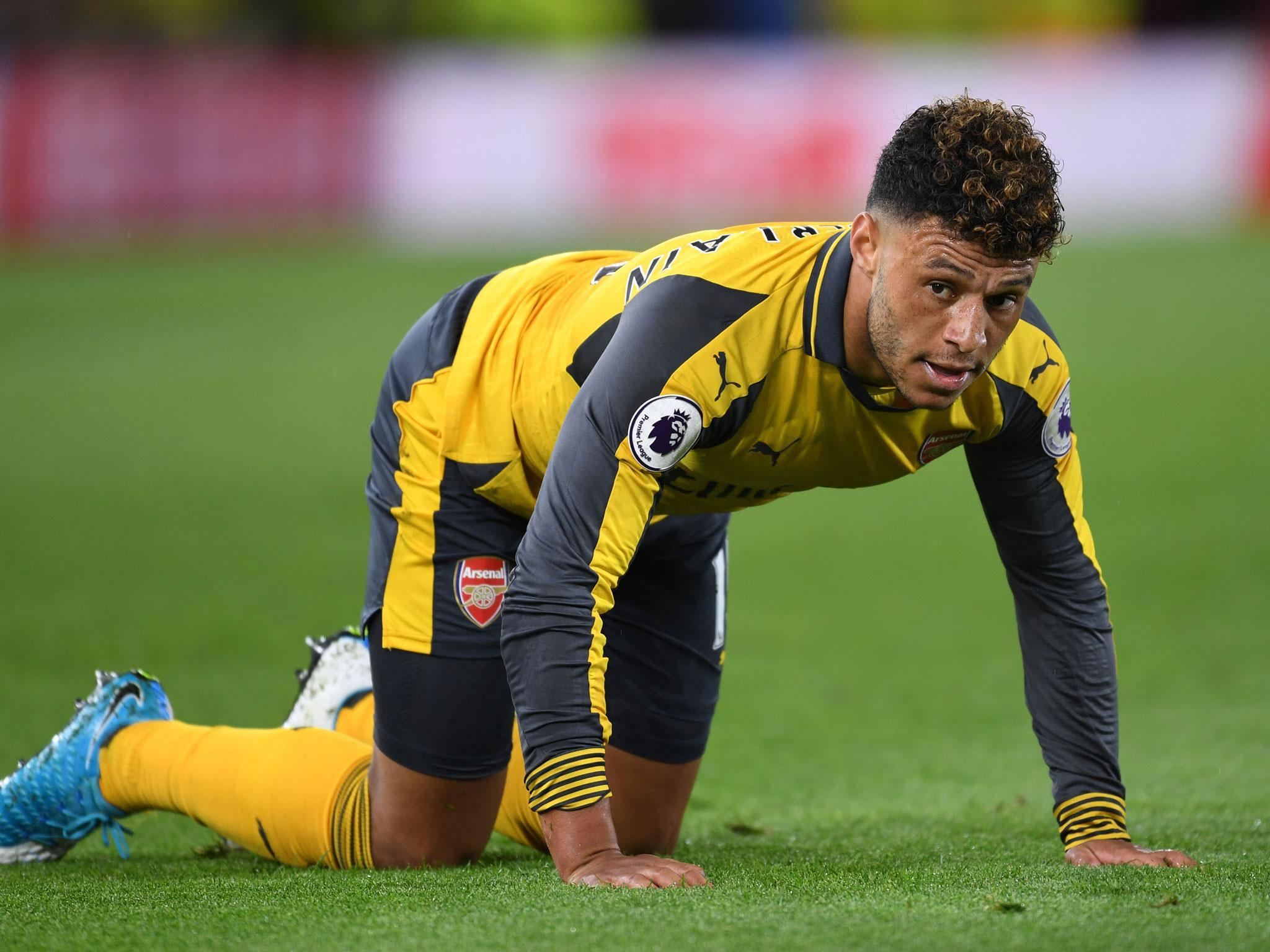 Arsenal ready to sell £25m Alex Oxlade-Chamberlain to Liverpool with eight set to follow him out the Gunners exit door
