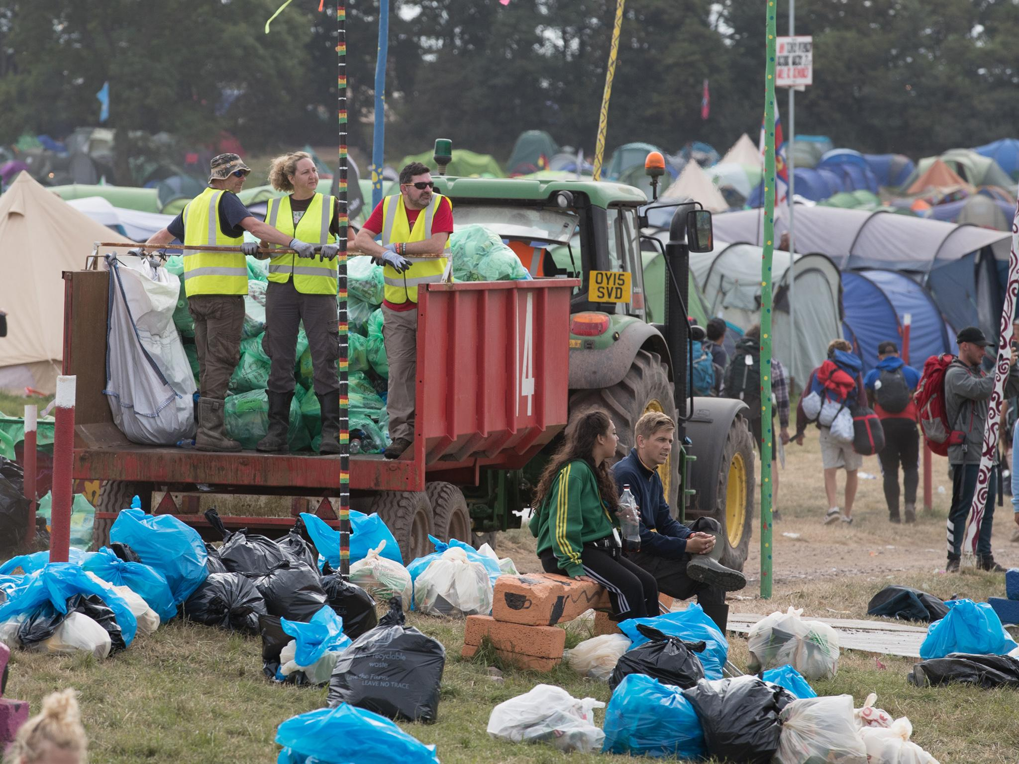 Glastonbury exploits hundreds of EU workers on zero hour contracts by firing them after two days