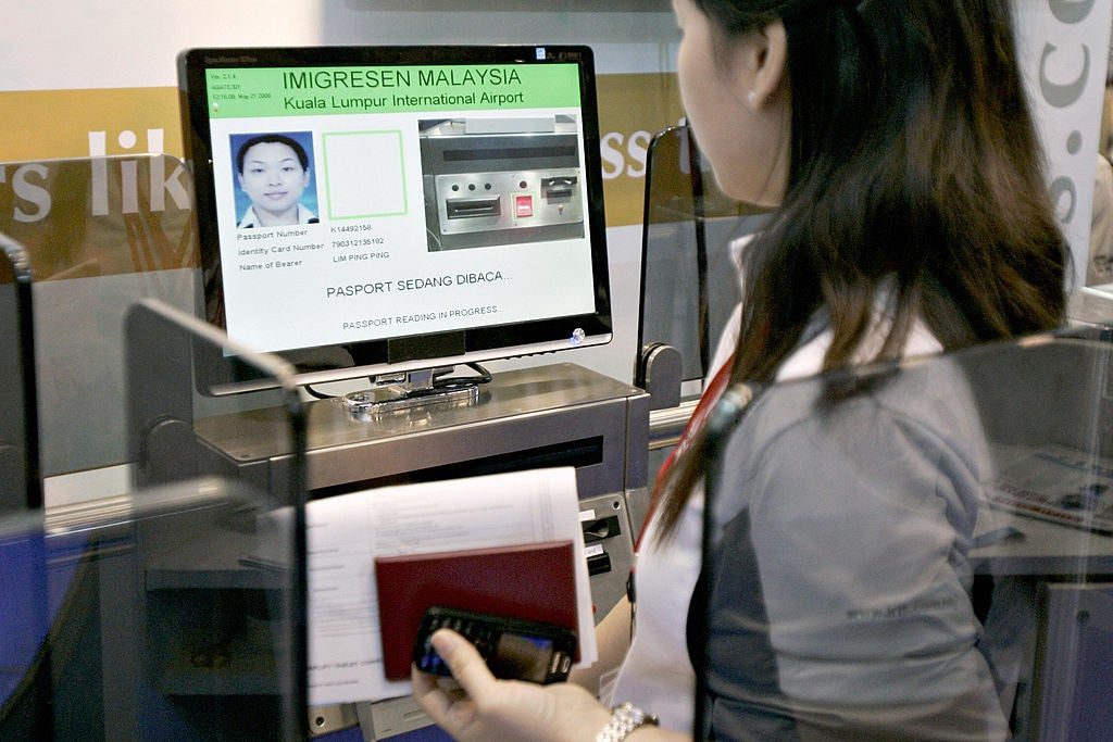 Airport biometrics: How new customs technology is going to