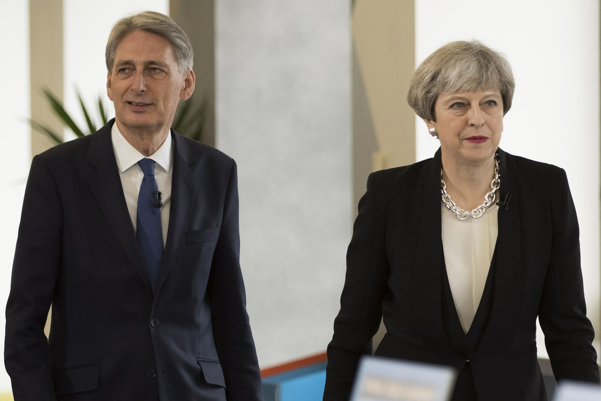 ca53010e9e0c1 ... low cost new york mets star wars hat zionsville in theresa may clashes  with philip hammond