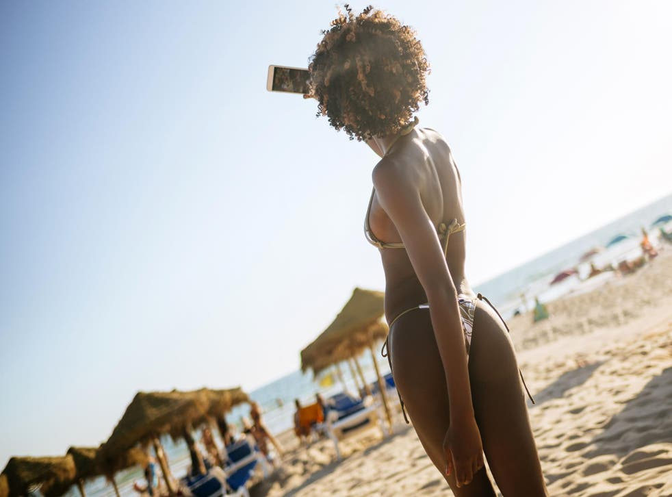 Nearly three quarters of people dislike seeing their friends' holiday pictures, according to a survey