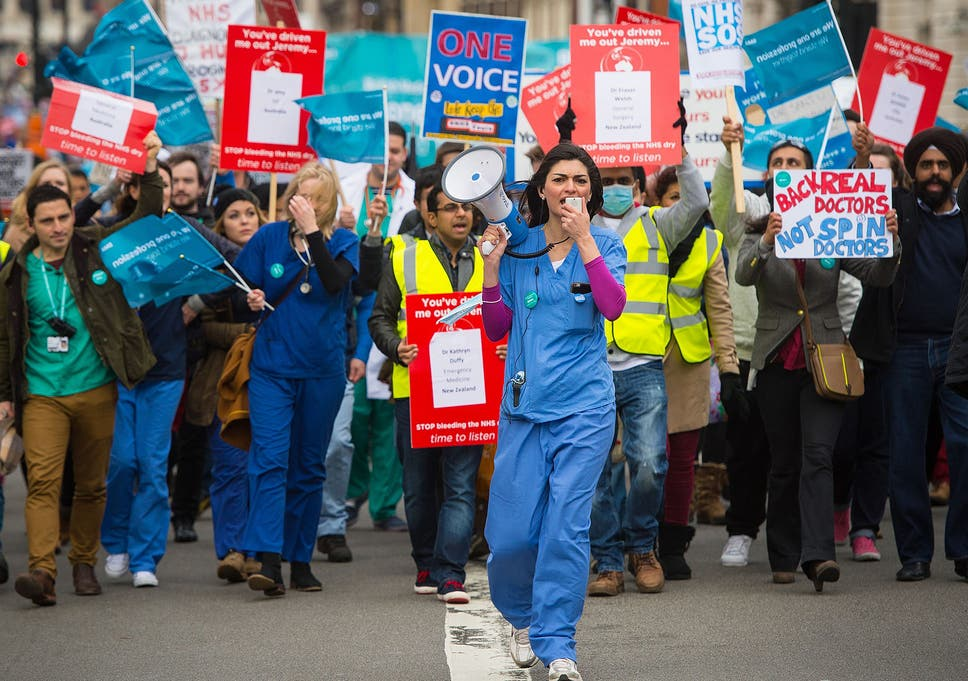 Junior doctors hit back at suggestion those who quit NHS