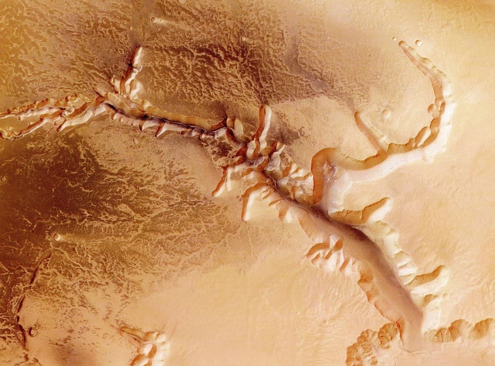 The Echus Chasma, one of the largest water source regions on Mars