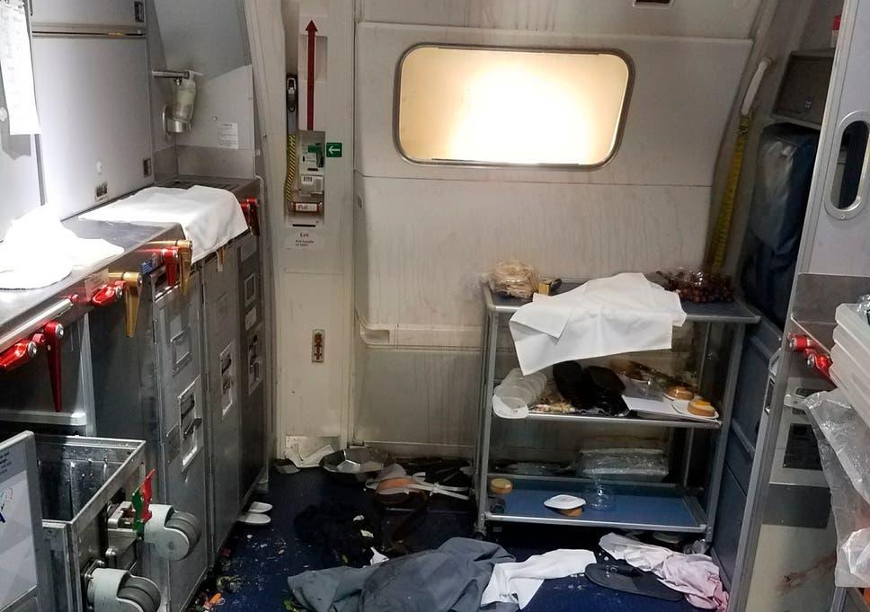 Delta Air Lines: Flight attendant breaks two wine bottles on