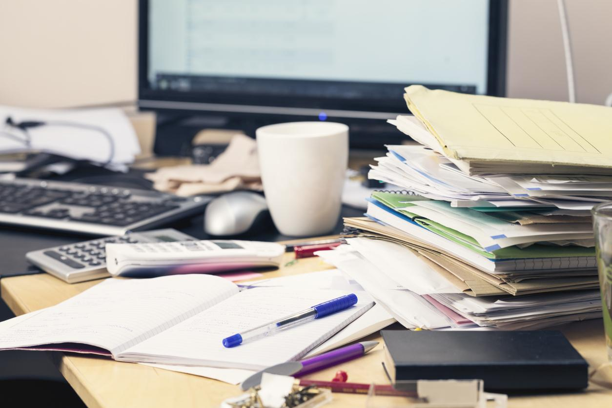 Messy Desks Could Be A Sign Of Genius Say Researchers