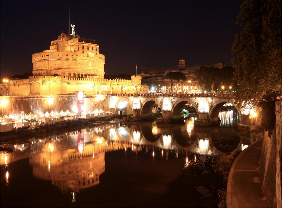 Rome's mayor wants to keep the city pristine at night